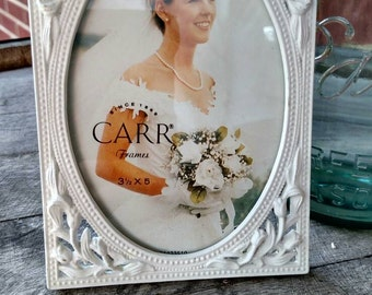 Tulip metal picture frame. Would be great for a wedding pic, or shabby chic. FREE SHIPPING!  Item# 811162