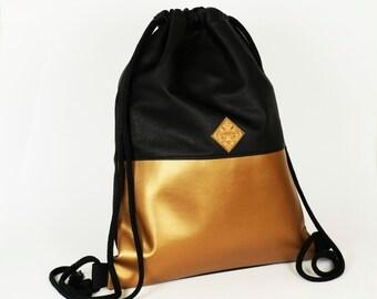 vegan bag, vegan backpack, coppery gym sac, faux-leather, copper, black, metallic, minimalistic