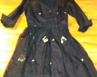 Vintage 1950 Womans black party dress with embroudered and ribbon flowers. Sz L