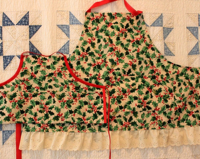 HALF PRICE ** Mommy and Mini Me Matching Christmas Apron Set. Holly Print Christmas Aprons for Adult and Child Matching Aprons