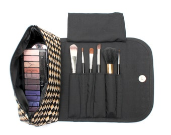 Charming Chequered Makeup Bag with a Brush Holder and Magnetic Button!