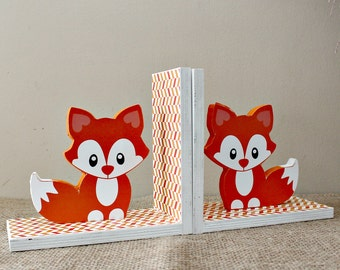 Baby Fox Bookends, Baby Shower Gift, Woodland Nursery Decor, Fox Book Holders, Wooden Bookends, Animal Baby Bookends, Fox Nursery Decor