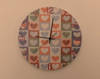 Coloured, pastel hearts -  etra quiet clockwork - white - Green - Black - boys room - girls room - silence - round or square export