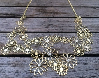 Statement necklace - flowers necklace in gold