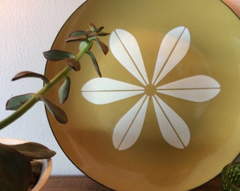 Catherine Holm Avocado Lotus Plate/Charger