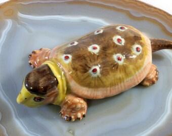 Turtle - handpainted porcelain figurine 1637