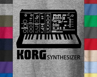 KORG SINTHESIZER 100% Ringspun Cotton T-Shirt Vintage Synth Rare Sampler Analog