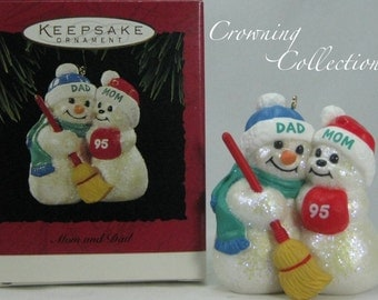 1995 Hallmark Mom and Dad Glitter Snowmen Keepsake Ornament Family Mother Father Snowman Snow woman Vintage Christmas Cloud CUTE!
