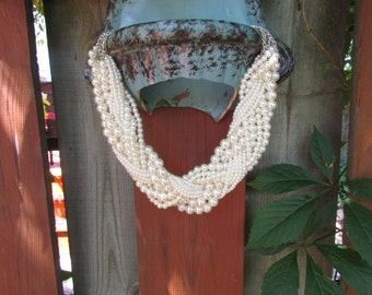 Multi Strand Pearl Necklace. Multi layer Pearl Necklace. Big Medium and Small pearls in the same Necklace.