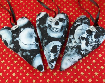 Gothic hearts-Gothic door hangers-Hanging hearts-Gothic room decor