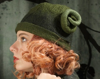 """Green Hat With Horns - Size 23"""" - Immediated Ship - Green Hat - Goat Horns - Rams Horns - Felted Wool Hat - Fairy - Elf - Cap"""
