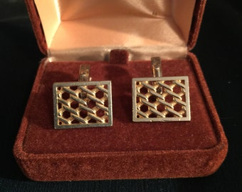 Vintage and Versitile Pair of Goldtone Cuff Links for Mens Suit; Collectible Goldtone Cuff Links;
