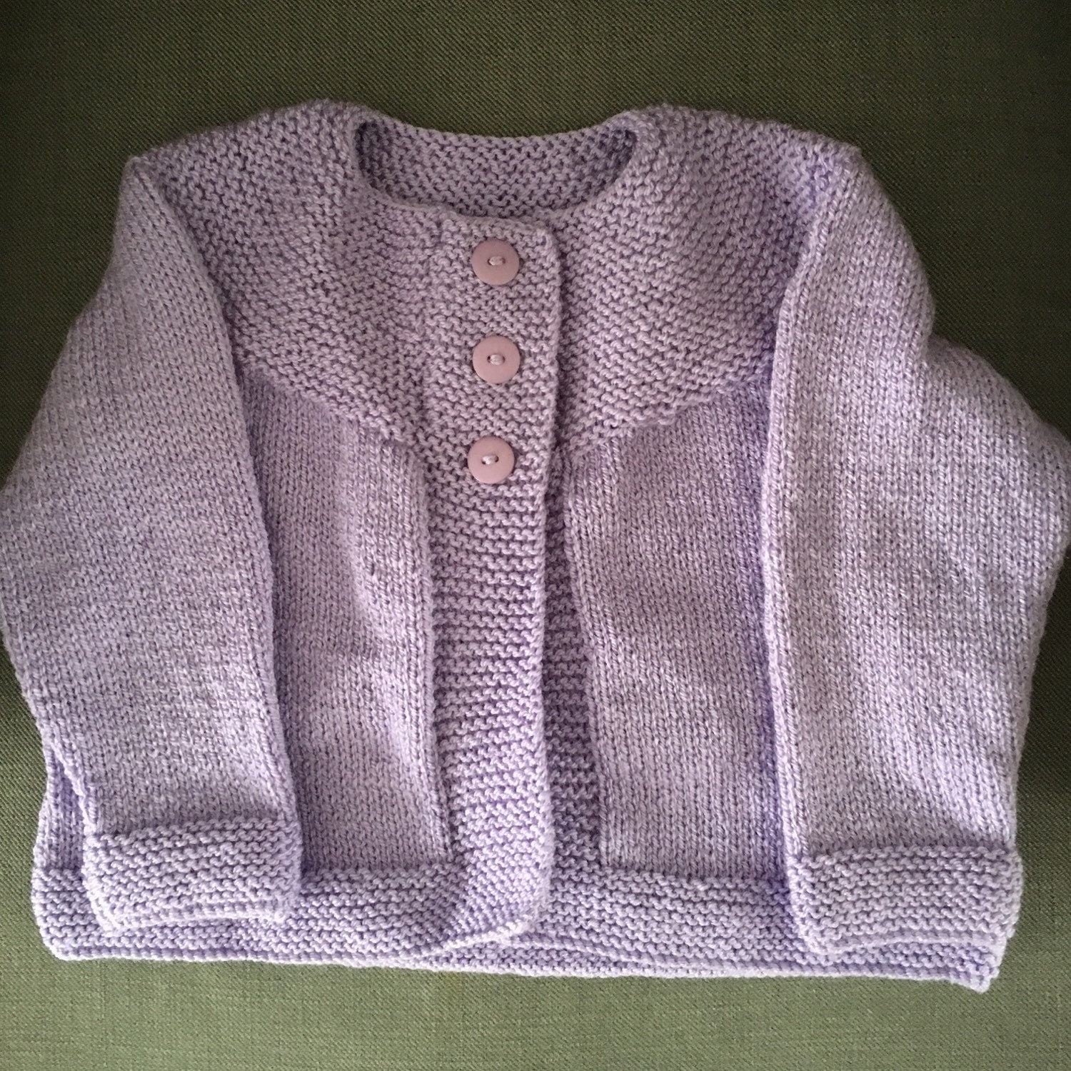 baby girls tops Baby Girls Cardigans Baby Girls Cardigans. Looking to layer up her looks? You've come to the right place. Mini girls purple chunky cable knit cardigan. Quick view. Add to wishlist. € Mini girls pink chunky cable knit cardigan. Quick view. Add to wishlist. € Mini girls blue fluffy ruffle neck jumper.