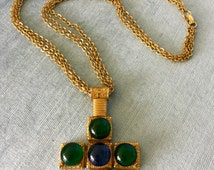 Amazing CAPRI Signed Maltese CROSS Glass CABOCHON Etruscan Pendant Triple Chain Necklace Gold Metal Emerald Sapphire Vintage Rare Couture