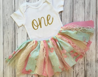 Girls First Birthday Outfit // Flower First Birthday Outfit // Baby Girl First Birthday Outfit // Flower First Birthday Outfit / Shabby Chic