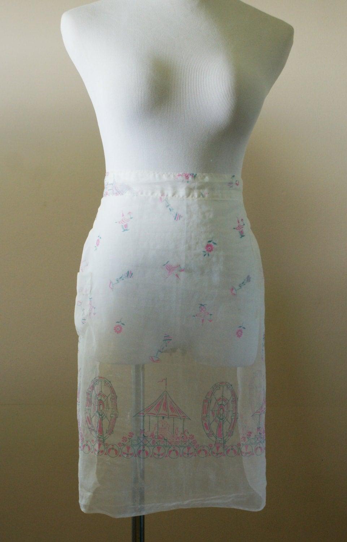 White half apron vintage - Delicate Carnival Theme White Gauze Vintage Mid Century Half Apron Bt 538