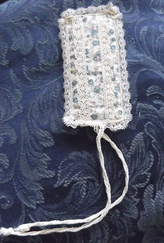 Cotton Quilted Lavender Scented Bookmark, Cotton Lace Trim, Hand stitched Finishing, Cotton Lined