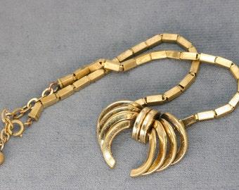 Art Deco Stylin'! 1930's Stylized Bow Necklace - Gold Tone