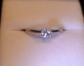 Diamond solitaire ring 0.33 carat.