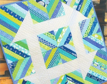 FREE SHIPPING! Churndash Court Mini Quilt Pattern by Sassafras Lane Designs
