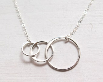 3 Circle Necklace, 3 Sisters Necklace, Eternity Jewelry, Sterling Silver, 3 Generations Necklace, Three Rings, Dainty, Gift for Her