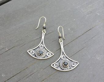 silver earrings, mexican silver earrings, black onyx earrings, silver and black onyx earrings, boho earrings, vintage silver earrings,