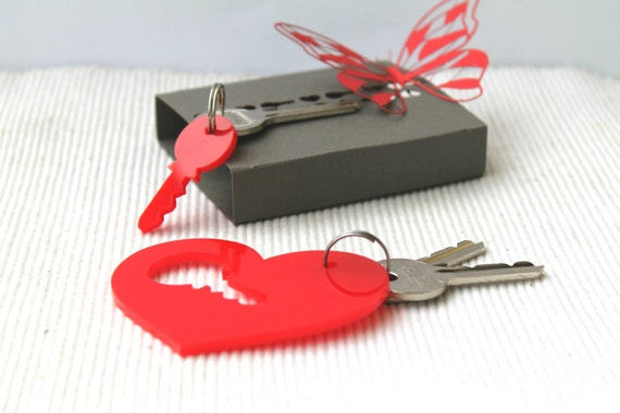 Couples Keychain Set Red Heart Gift for her Laser cut acrylic key Puzzle keychain Handmade box Valentine's day gift for him Key to my heart