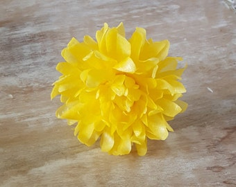 Edible Chrysanthemums, Wafer Paper Flowers for Cakes, Wedding Cake Decorations