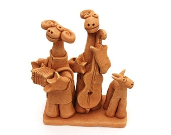 Clay Music Couple Sculpture with Dog, accordion player, contrabass player, clay dog, musicians sculpture, musician gift, wedding gift