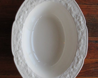 English Crown Ducal Florentine White Porcelain China Oval Serving Vegetable Bowl 10""