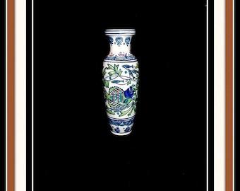 Handpainted Chinese porcelain vase.
