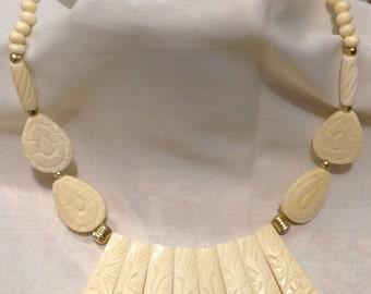 Alaska Scrimshaw Large Beaded Bib Necklace, Edwardian Alaska Walrus Carved Beaded Necklace B1499