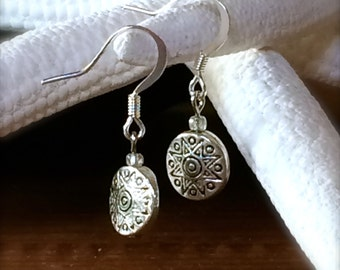 Silver Earring Silver Disc Dangle Drop Sun Engraved Boho Earring Sterling Soliel Sol Circle Every Day Classic Gifts for Her Gift Under 20