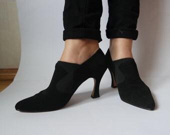 1980s Vintage Velvet Shoes Black Velvet High Heel Closed toe Women's shoes Size 38 Little Black Dress Retro Party
