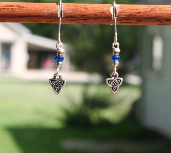 Sterling Silver Celtic Triquetra Earrings (bb)
