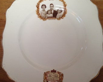 Coronation Souvenir of King George VI & Queen Elizabeth 1937 JG Meakin Plate.