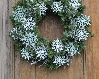 Snowflake Wreath, Winter Wreath, Icy Wreath, Snowy Wreath, Winter Decor, Sparkling Wreath, Front Door Wreath, January Wreath, Snowflake