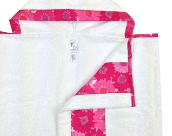 Gerber Daisies Hooded Towel Hot Pink White