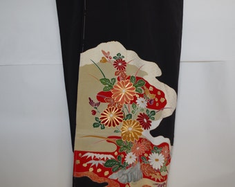 """an  imcomplete  """"TOMESODE kimono"""" sewn of   first  fitting  celebrations kimono  If possible, please use to as any creative."""