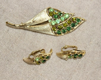 Vintage Signed Coro Demi Parure Green Rhinestone Gold Tone Brooch and Earring Set In Original Box