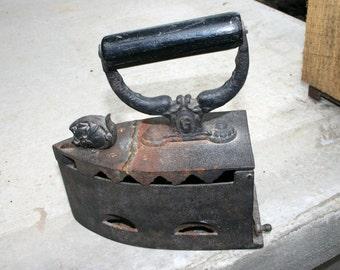1800s Cast Iron Charcoal Iron//#3 Charcoal Iron//Antique Cast Iron Charcoal Iron