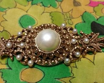 Vintage Pearl Collar Pin