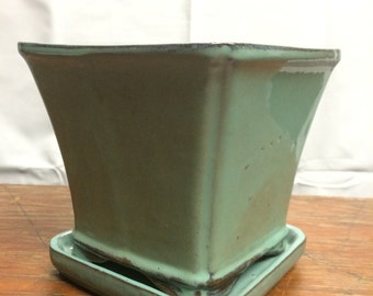 Green Pottery Planter With Saucer