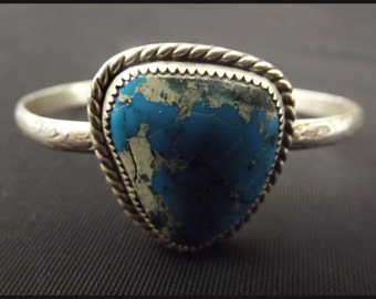 Unique sterling silver and turquoise bracelet | Native american Taos artcraft - New Mexico