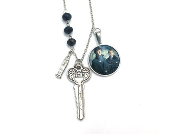 "Watson Sherlock Holmes Inspired Glass Dome Beaded Charm 21"" Chain Necklace Silver Tone"