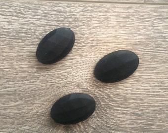3 oval black