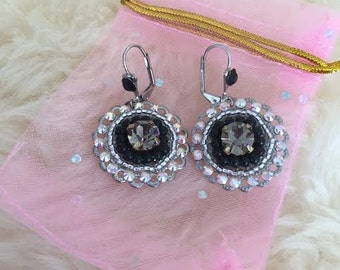 HouseofModa classic earrings with Swarowski crystals