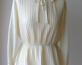 1970s cream pleated top size 12