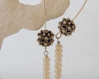 Fresh water pearl Bali Bead dangle earring