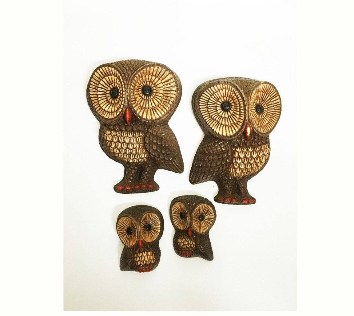 vintage owl wall plaques owl wall decor decorative owls. Black Bedroom Furniture Sets. Home Design Ideas